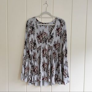 Free people floral v neck loose bell sleeved shirt